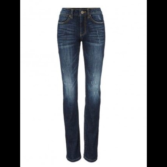 Cabi authentic high straight jeans